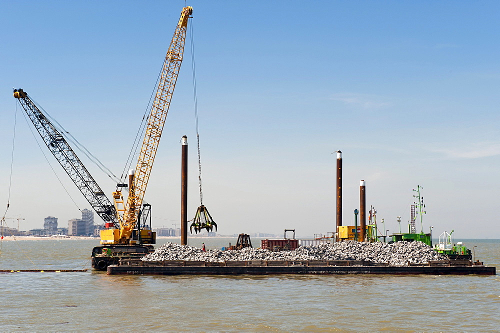 Construction of a protection wall against flooding, Ostend Harbor, Belgium, Europa