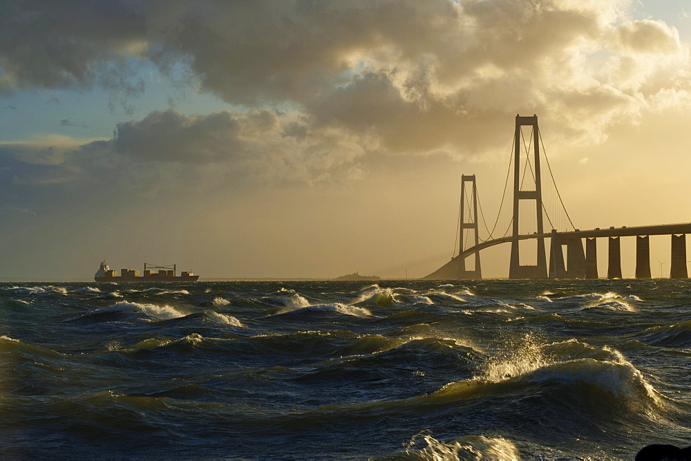 Store Belt, Great Belt Bridge in heavy surf, Nyborg, Korsor, South Denmark, Denmark, Europe - 832-122921