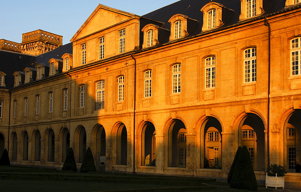 North wing of the cloister building with covered walk in the morning light, L'Abbaye aux Dames, Abbey of Women, Caen, Basse-Normandie, France, Europe
