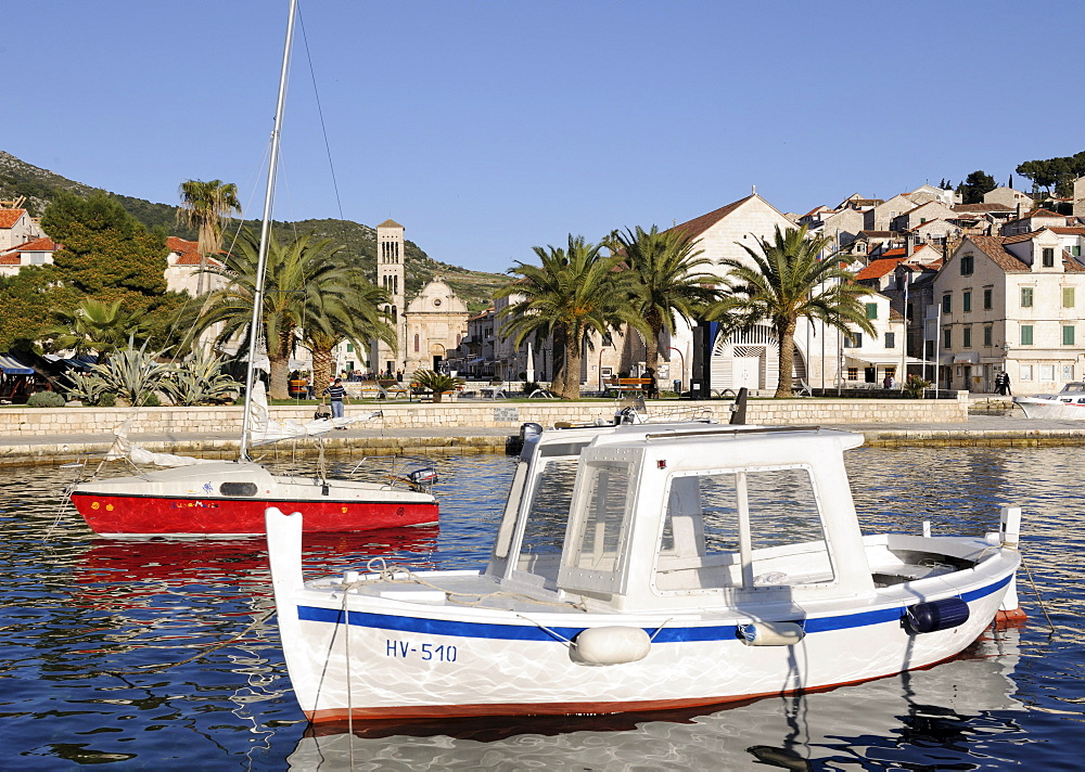 Fishing boats, behind, St. Stephenís Cathedral, Hvar, Hvar Island, Croatia, Europe
