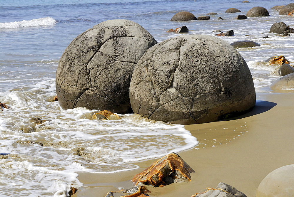 Geological formation of the Moeraki Boulders, partial view, Moeraki, East Coast, South Island, New Zealand