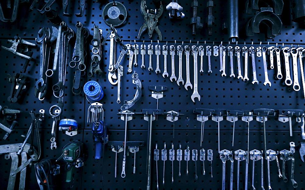 Various tool, garage