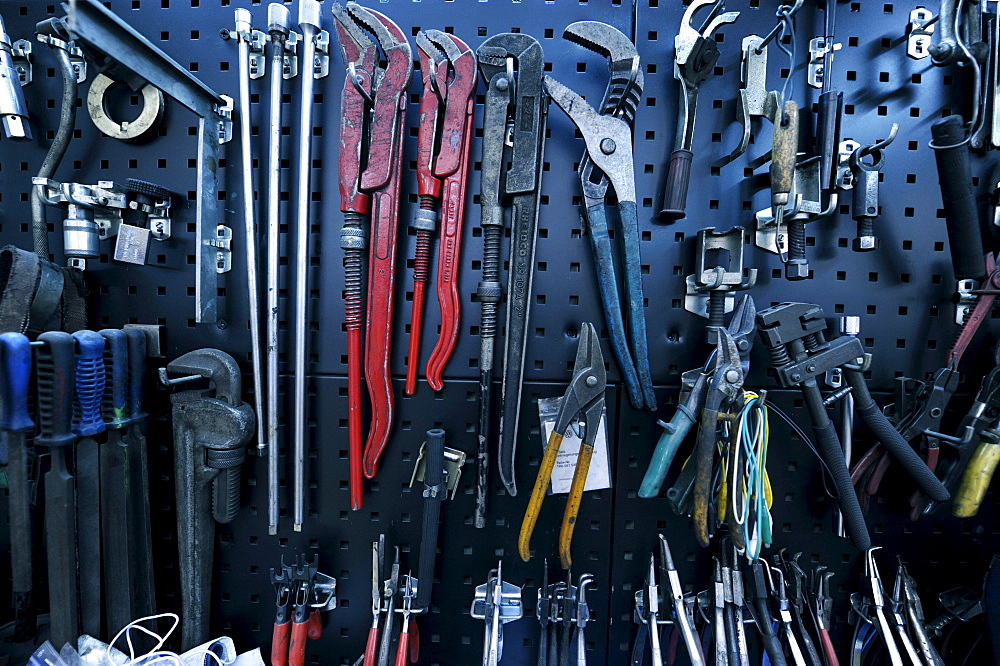 Various tools, garage