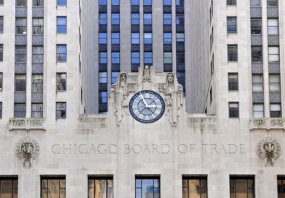 Partial view of the Chicago Board of Trade CBOT, CME Chicago Mercantile Exchange Group, the world's oldest derivatives exchange, Financial District, Chicago Loop, Chicago, Illinois, United States of America, USA, North America