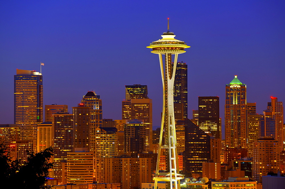 Night scene, skyline of the Financial District in Seattle, Space Needle, Columbia Center, formerly known as Bank of America Tower, Washington Mutual Tower, Two Union Square Tower, Municipal Tower, formerly Key Tower, US Bank Center, Washington, United Sta