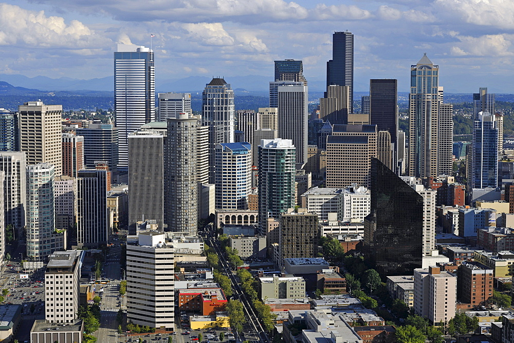 View from Space Needle to the southeast, Skyline Financial District Seattle with Columbia Center, formerly Bank of America Tower, Wells Fargo Building, Washington Mutual Tower, Two Union Square Tower, Municipal Tower, formerly Key Tower, U.S. Bank Center,