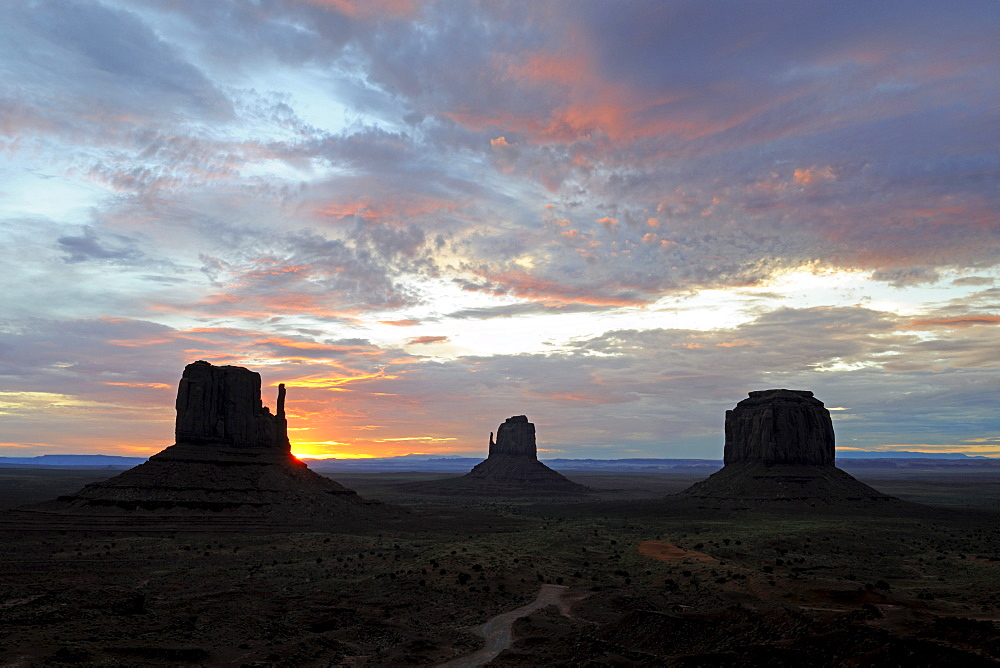 Mitten Buttes at sunrise, Monument Valley, Arizona, USA