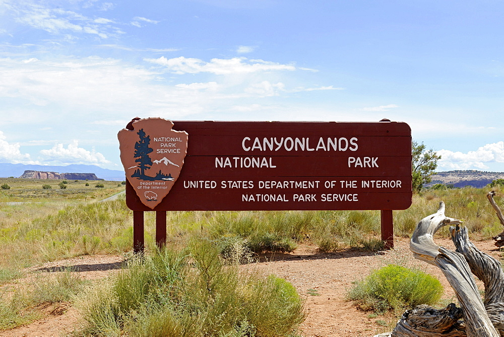 Entrance sign, Canyonlands National Park, Utah, United States, America