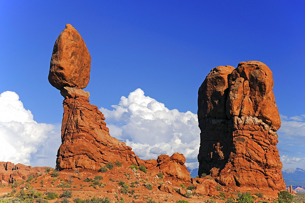 Balanced Rock rock formation in the morning, Arches National Park, Utah, United States, America