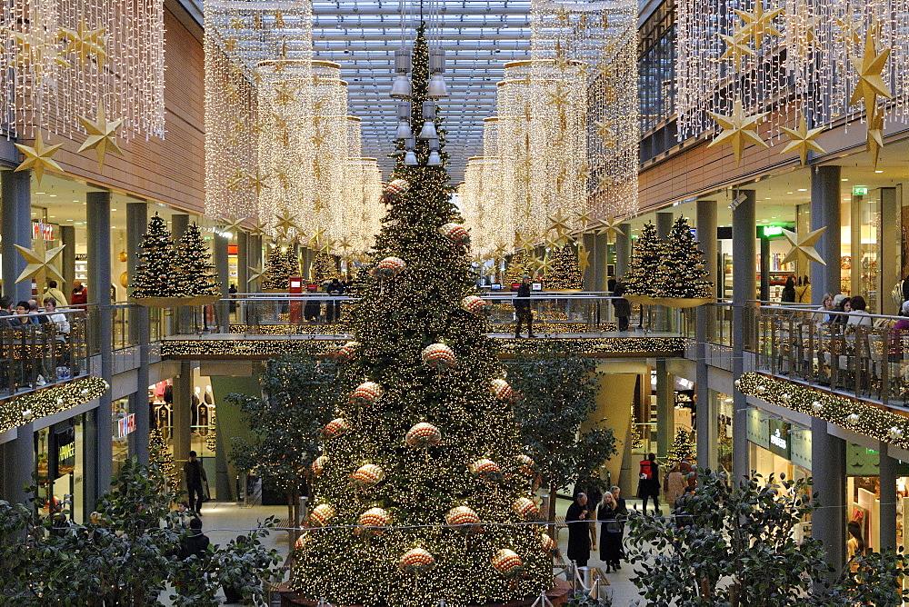 Potsdamer Platz Arkaden mall at Christmas time, Potsdamer Platz, Tiergarten district, Berlin, Germany, Europe