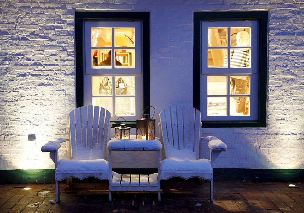Snow-covered chairs in front of a shop, East Frisian North Sea island of Spiekeroog, Lower Saxony, Germany, Europe