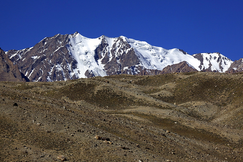 Glaciated mountain peaks with Yashikul Lake, Pamir, Tajikistan, Central Asia
