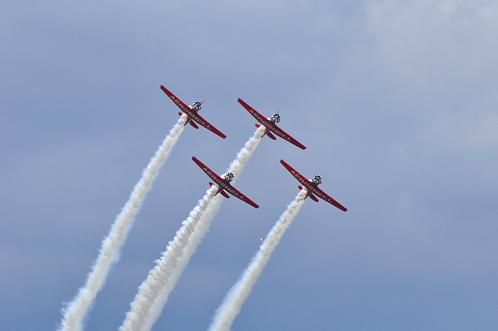 Stunt planes with smoke trails, Milwaukee, Wisconsin, USA, America