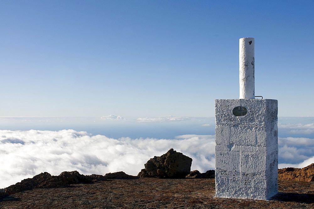 Above the clouds on the rim of the Volcano de Taburiente, La Palma, Canaray Islands, Spain, Europe