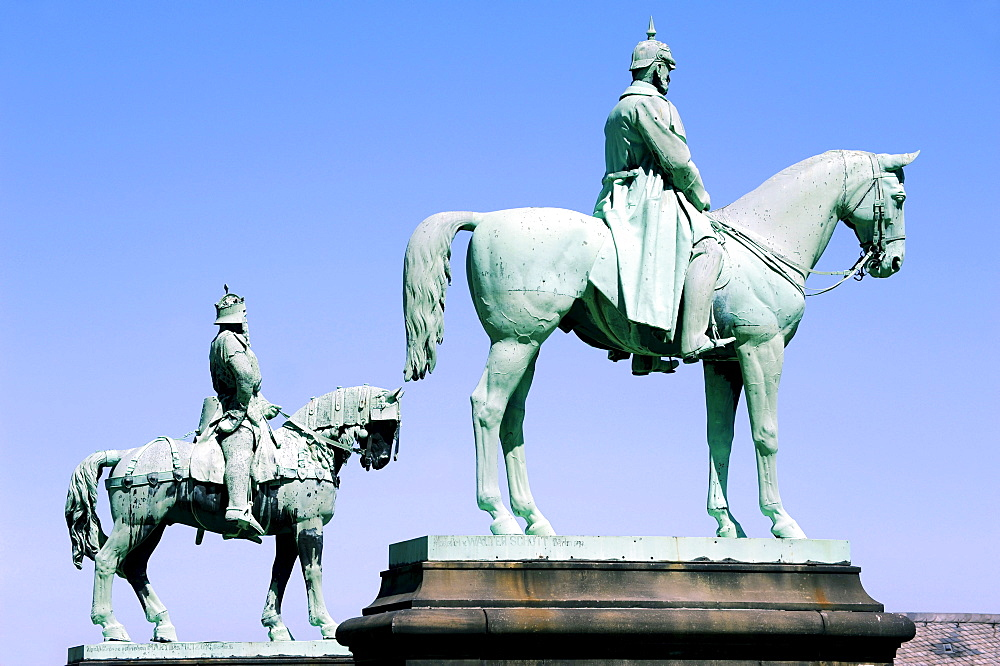 Equestrian statues of Emperor Friedrich Wilhelm I Barbarossa and Kaiser Wilhelm the Great, Imperial Palace, Goslar, Harz, Lower Saxony, Germany, Europe