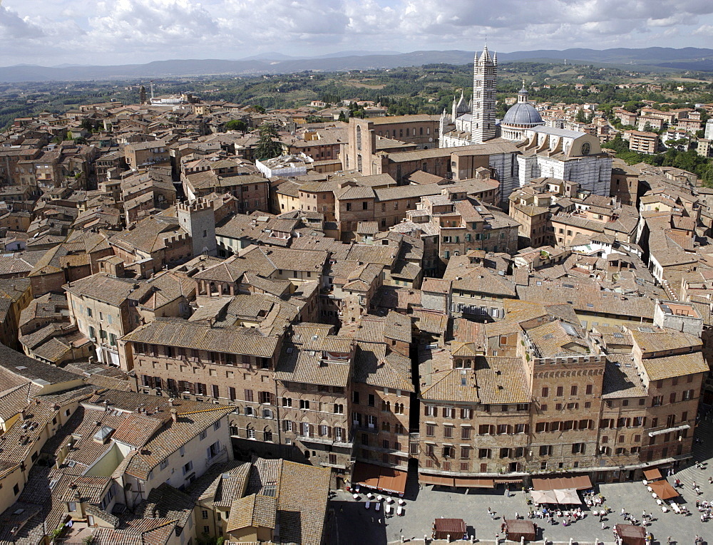 View of Siena with Santa Maria Assunta Cathedral, Siena, Tuscany, Italy, Europe