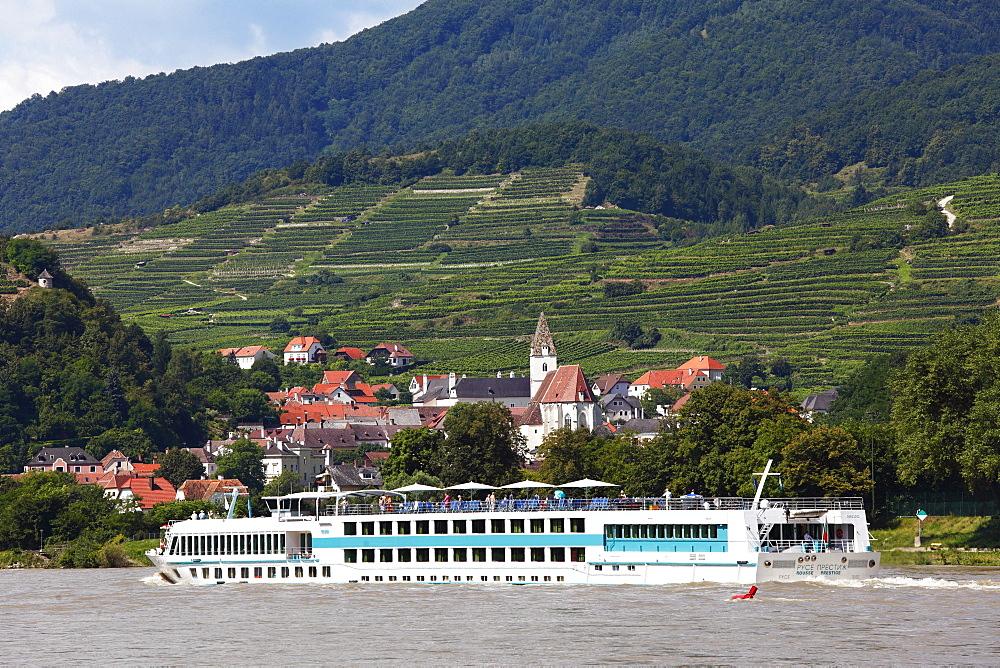 MS Rousse Prestige cruise ship on the Danube, Spitz, Wachau, Waldviertel quarter, Lower Austria, Austria, Europe
