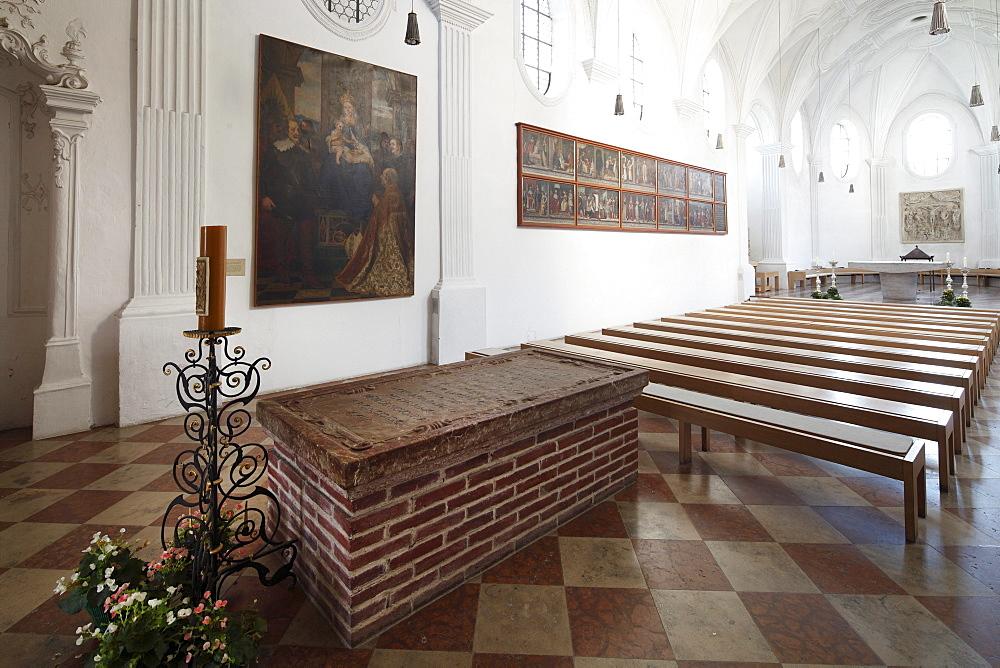 Grave of Duke Otto I of Wittelsbach, monastery chapel of Kloster Scheyern monastery, Hallertau, Holledau or Hollerdau, Upper Bavaria, Bavaria, Germany, Europe