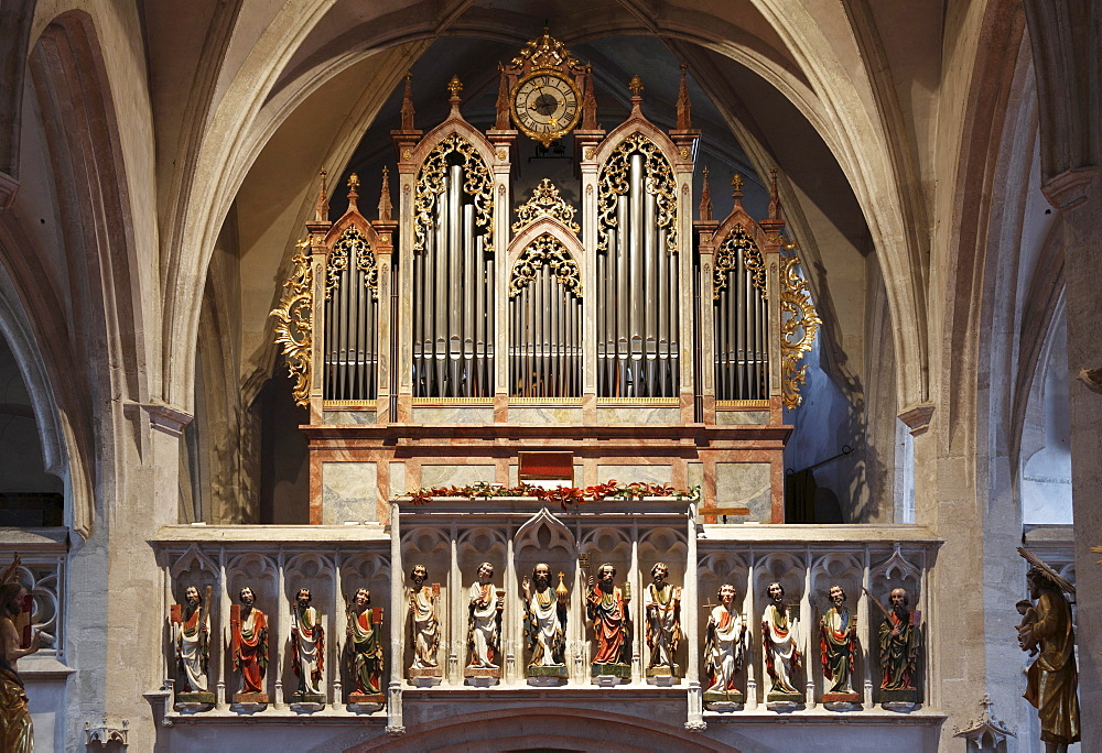 Christ with the twelve apostles and the organ in Parish Church, Spitz, Wachau, Waldviertel, Forest Quarter, Lower Austria, Austria, Europe