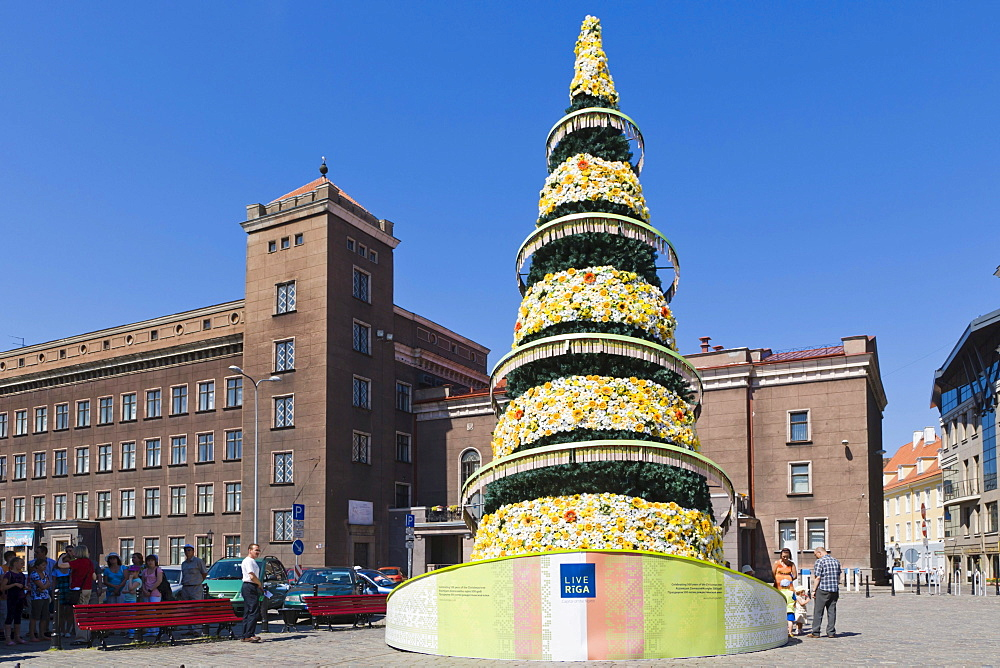 500th jubilee Christmas tree in front of RTU, Riga Technical University, Rigas Tehniska Universitate, Kalku Street, Kalku iela, old town, Vecriga, Riga, Latvia, Northern Europe