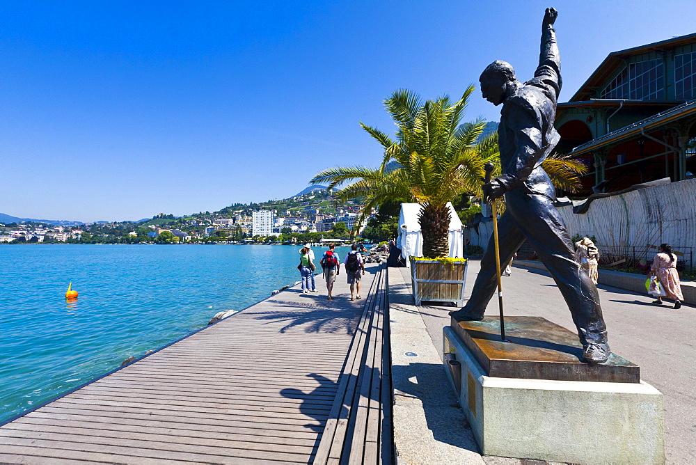 Freddie Mercury statue, Quai de la Rouvenaz, Lake Geneva, Montreux, Canton Vaud, Switzerland, Europe