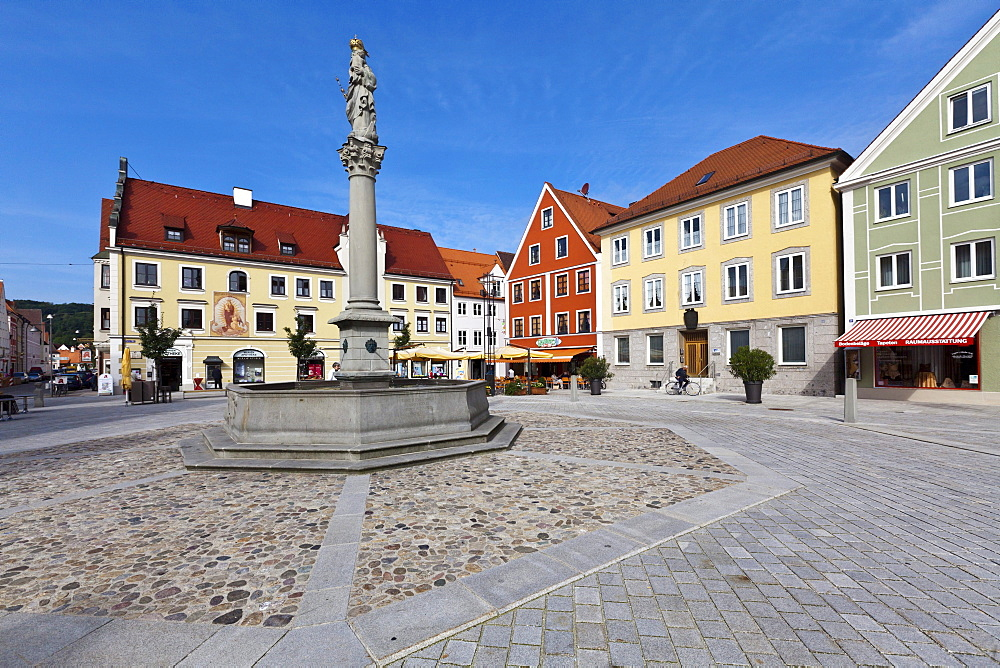 Marienplatz square, Mindelheim, Swabia, Unterallgaeu district, Bavaria, Germany, Europe