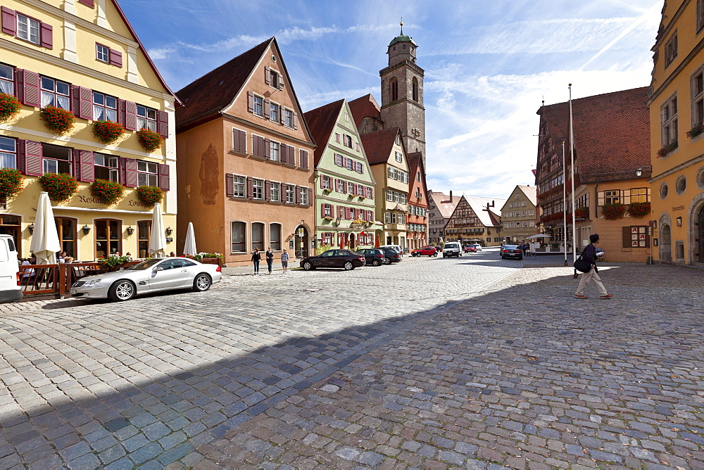 Weinmarkt square and St. George's Minster, Dinkelsbuehl, administrative district of Ansbach, Middle Franconia, Bavaria, Germany, Europe