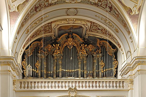 Rococo organ case, 1740, in the baroque Basilica of St. Lorenz, 1652 - 1748, stucco by Giovanni Zuccalli, frescoes by Andrew Asper, Kempten, Bavaria, Germany, Europe