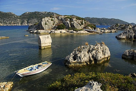 Rowboat and Lycian sarcophagus in the water, village of Kale, Kalekoey or Simena, Kekova Bay, Lycian coast, Antalya Province, Mediterranean, Turkey, Eurasia