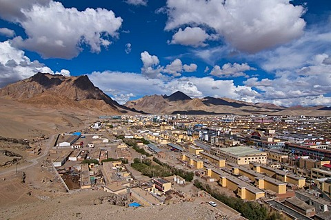 View of China's most remote city of Ali, Shiquan, in the far west of Tibet, Aksai Chin, Tibet, Central Asia