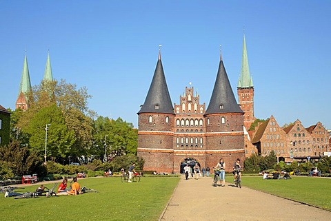 St. Mary's Church, Holsten Gate, St. Peter's Church and Salzspeicher salt storehouses, Luebeck, Schleswig-Holstein, Germany, Europe
