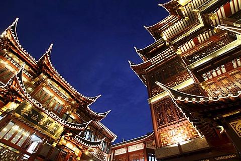 Historic buildings at Yu Yuan Bazaar, Shanghai, China, Asia - 832-135873