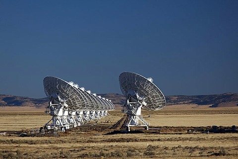 The Very Large Array radio telescope consists of 27 large dish antennas, the facility is part of the National Radio Astronomy Observatory, on the Plains of San Agustin in Datil, western New Mexico, USA
