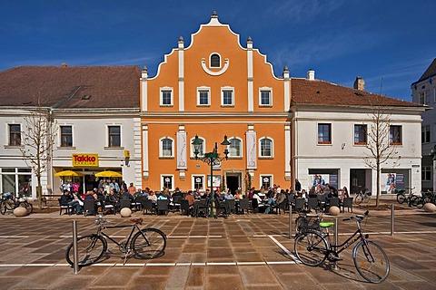 Old house, Tullner Hauptplatz square, Tulln, Lower Austria, Austria, Europe