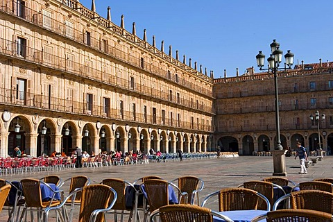 Plaza Mayor Square, baroque, built in 1755 by the architect Alberto de Churriguera, Salamanca, Old Castile, Castilla-Leon, Spain, Europe