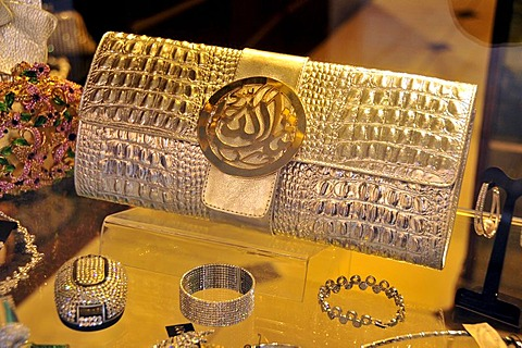 Handbag and jewellery in a jewellery shop in the souq, market area, Beirut, Lebanon, Middle East, Asia - 832-142462