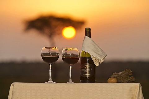 Red wine arrangement, sundowner, Africa