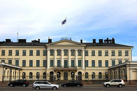 Presidential Palace with the national flag, Helsinki, Finland, Europe