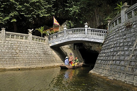Bridge to a pagoda near Ninh Binh, on the way along the river to the caves of Trung Anh, dry Halong Bay, Vietnam, Southeast Asia