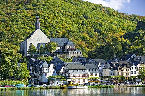 Romantic wine village of Beilstein on the Moselle River, Rhineland-Palatinate, Germany, Europe