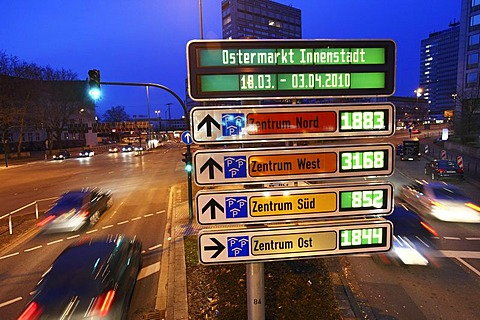 Car-Park Routing System, all inner city parking decks are linked, free parking spaces are shown, Essen, North Rhine-Westphalia, Germany, Europe