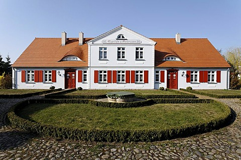 Historic captain's house, holiday resort of Born am Darss, Fischland-Darss-Zingst peninsula, Mecklenburg-Western Pomerania, Germany, Europe