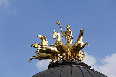 Solar chariot on the roof of the Sonnentempel sun temple, Neues Schloss castle, Eremitage, Bayreuth, Upper Franconia, Franconia, Bavaria, Germany, Europe
