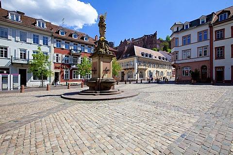 Kornmarkt square with the Virgin Mary fountain, Graimberghaus building at back, Heidelberg, Rhine-Neckar region, Baden-Wuerttemberg, Germany, Europe