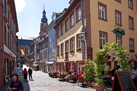 Steingasse street with restaurants, Heiliggeistkirche, Church of the Holy Spirit, at back, Heidelberg, Rhine-Neckar region, Baden-Wuerttemberg, Germany, Europe