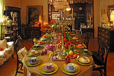 Sales room with Easter table decorations in a villa, Villa & Ambiente, Im Weller 28, Nuremberg, Middle Franconia, Bavaria Germany, Europe