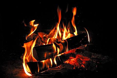 Open fire, fireplace