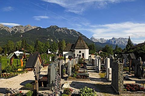 Cemetery, in the back the Karwendelgebirge mountains, Wallgau, Upper Bavaria, Bavaria, Germany, Europe
