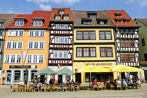 Historical architecture with half-timbered houses, cafes and restaurants, Domplatz cathedral square, Erfurt, Thuringia, Germany, Europe
