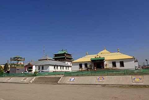 Monastery buildings, assembly halls and the main hall, home of the 26 meters high statue of the goddess Janraisig, Avalokiteshvara Sanskrit, at the Gandan monastery, Migjid Janraisig Suem building, Gandan Khiid monastery, Ulaanbaatar, Mongolia, Asia